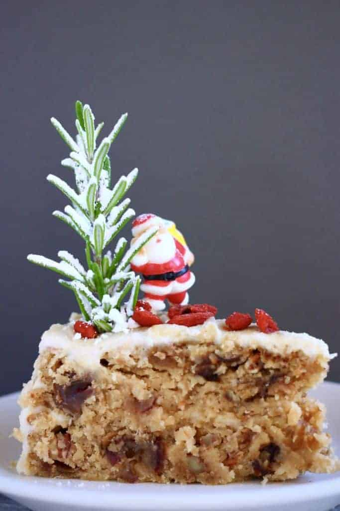 Easy Christmas Cakes Ideas That You'll Want to Try This Year